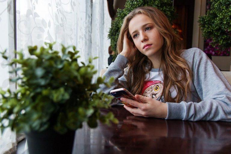 Co zrobić z buntującym się nastolatkiem w domu?