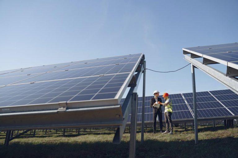 Jak często narzekacie na rachunki za energię elektryczną?